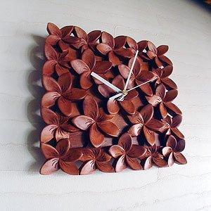 バリウッドアジアンバリ木彫り時計:プルメリア(フランジパニ)いっぱいの壁掛け時計。ブラウン[オリジナル品] B00NAR2058