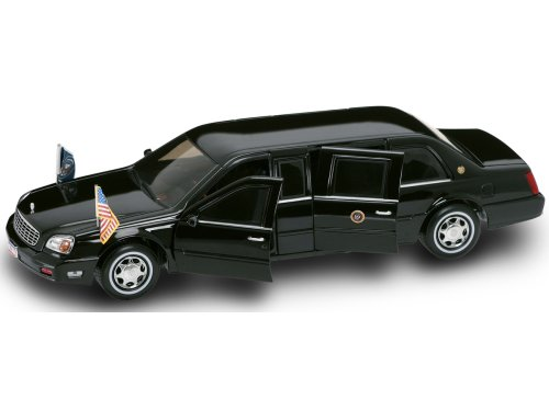 (Yat Ming Scale 1:24 - 2001 Cadillac Deville Presidential Limo)