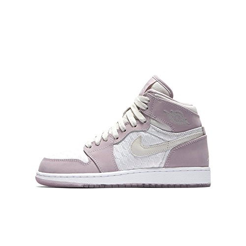 Nike Air Jordan 1 Ret Hi Prem Hc Gg, Zapatillas de Baloncesto para Mujer Beige (Light Bone / Light Bone-Plum Fog-White)