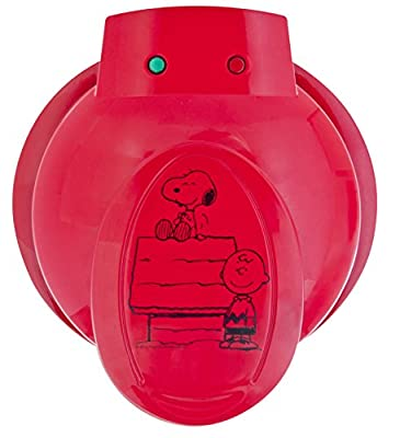 Smart Planet WM-6S Peanuts Snoopy and Charlie Brown Waffle Maker, Red