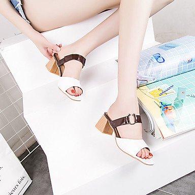 LvYuan Mujer Sandalias Talón Descubierto PU Verano Casual Talón Descubierto Combinación Tacón Robusto Blanco Beige Marrón oscuro 2'5 - 4'5 cms beige