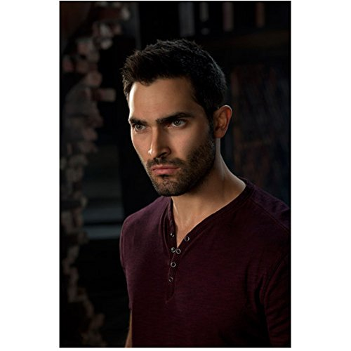Tyler Hoechlin 8 inch X 10 inch photograph Teen Wolf (TV Series 2011 - ) Wearing Maroon Facing Slightly Right kn