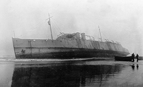 Long Beach, Washington - View of a Army Transport Shipwreck