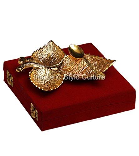 Stylo Culture Indian Centerpiece Platter Gold Plated Brass Floral Motifs Maple Decorative Gold Leaf Platter