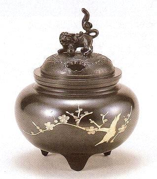 高岡香炉 銑鉢型 獅子蓋(梅彫金) 青銅製 桐箱入o87-07 B005KEH7TS