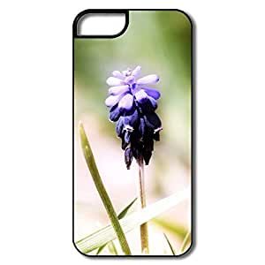 IPhone 5 Cases, Flower Cases For IPhone 5 - White/black Hard Plastic by icecream design