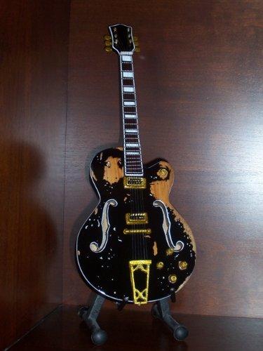 Mini Guitar RANCID TIM ARMSTRONG Worn Version Display