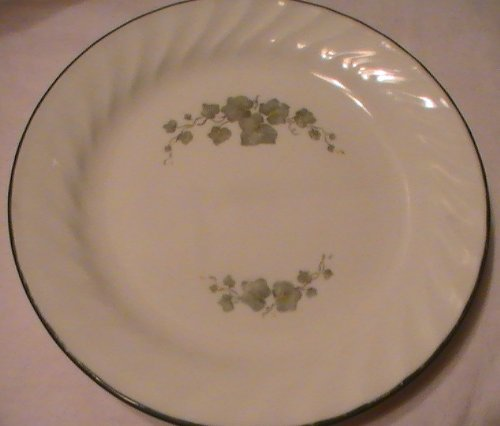 Corelle Callaway Ivy Salad Plate - One Plate
