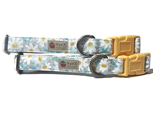 (Very Vintage Design Daisy Chain Dog Cat Collar Modern Country Vintage Light Gray White Yellow Daisy Floral Flowers Dog Collar Organic Cotton Pet Collar)
