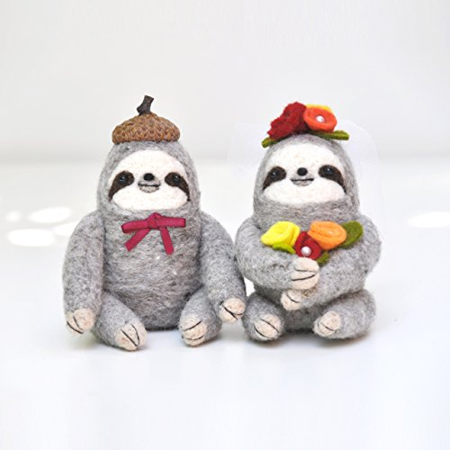 Needle felted Sloth Wedding Cake Topper, Sloth figurines, Sloth gift by Noristudio