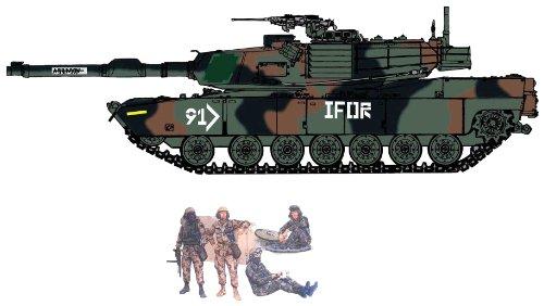 Cyber Hobby 1/35 USMC M1A1 Abrams (Heavy Armor) + U.S. Tank Crew Figure (M1a1 Tank Armor)