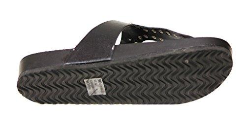 Breckelles Fatima-03a Mujeres Toe Thong T-strap Stud Hebilla Decoración Comfort Pu Flip-flops Negro