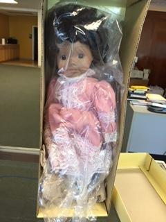 - Victoria Ashlea Originals Porcelain Musical Collector Doll 1983