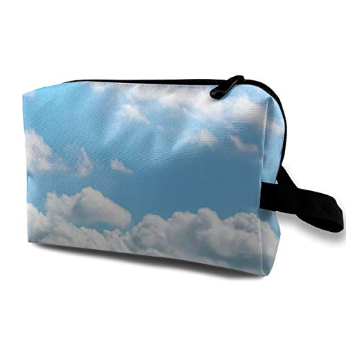 01Beautiful Cloud Portable Multifunction Travel Pouches Woman Cosmetic