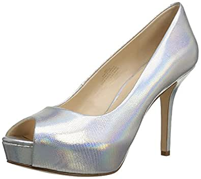 Nine West Women's Qtpie Metallic Dress Pump, Light Silver, 7 M US