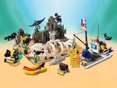 Lego Parts: Dark Gray Shark (Complete Assembly) (Old Dark Gray)