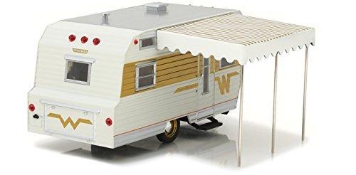 1964 Winnebago 216 Travel Trailer for 1/24 Scale Model Cars and Trucks 1/24 Diecast Model Greenlight 18420 B