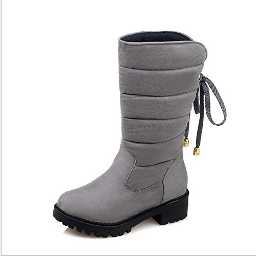 El tamaño grande franjó la nieve de las mujeres de los cargadores de la nieve calza el cortocircuito los cargadores planos planos helados del talón light gray