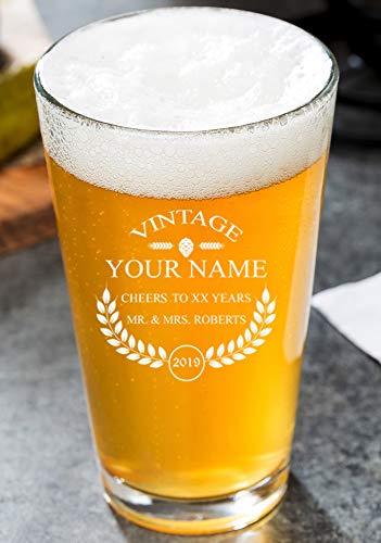 PersonalizedBeer Glass - Custom Engraved Beer Mug, Pint Glass, Pilsner Glass, Pitcher. | Add your own Engraved Text - Vintage Design (Pint Glass ()