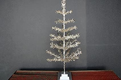 Lee Display 24 Silver Christmas Tinsel Tree Retro Style Silver Feather Tinsel Tree