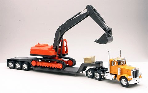 Peterbilt Tractor Trailer Diecast Toy - Diecast Toy Model Big Rig Long Haul Truck 1:32 Scale Peterbilt 379 Lowboy with Excavator, Yellow / Orange / Multicolor, 24
