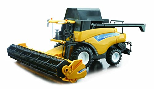 1/32nd New Holland CR9090 Combine with Grain Head by New Ray