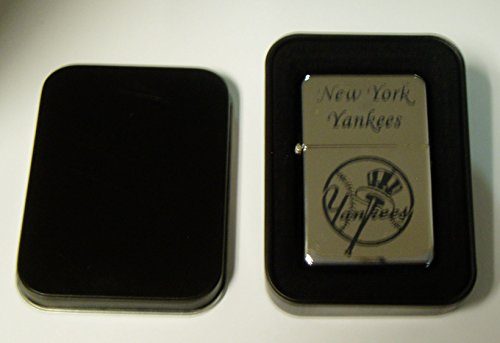 New York Yankees chrome plated brass refillable lighter in black metal case ()