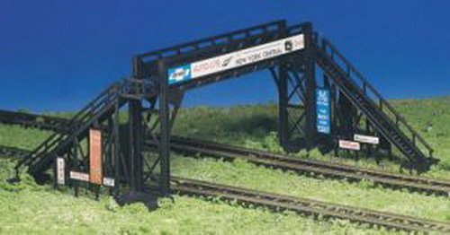 Review Bachmann Trains Pedestrian Bridge