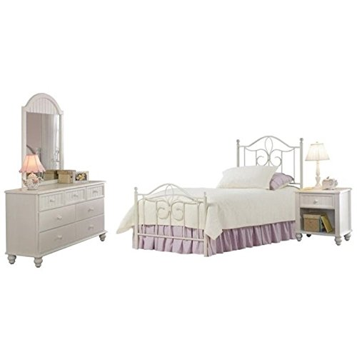 Bowery Hill 4 Piece Full Metal Spindle Bedroom Set in Off White (Country Full Size Headboard)