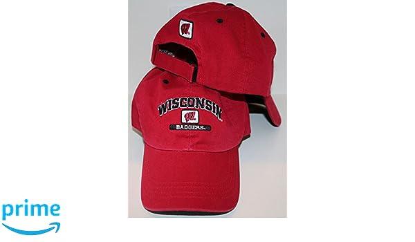 d4e438657dc Amazon.com   Zephyr University of Wisconsin UW Badgers DH Red Top Chopper  Relax Cotton Adult Mens Boys Baseball Hat Cap Size Velcro Adjustable    Sports   ...