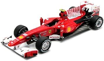Hotwheels Elite Mattel T6266 Fahrzeug Miniatur Ferrari F10 F1 2010 Gp Bahrain 2010 Maßstab 1 43 Amazon De Spielzeug