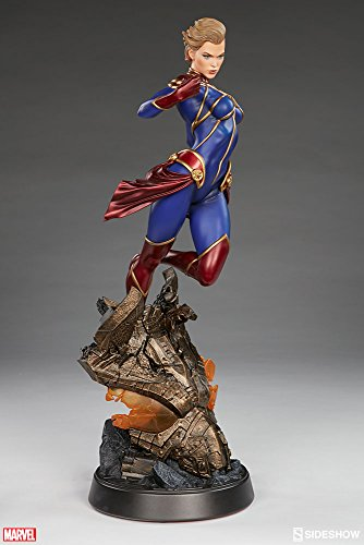 Sideshow Marvel Comics Captain Marvel Premium Format Figure Statue