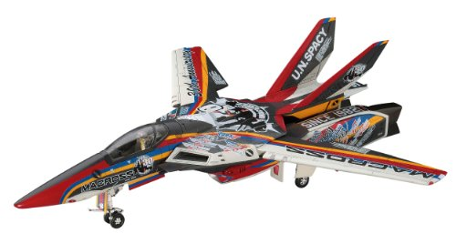 Macross 1/72 VF-1 Valkyrie 30th Anniversary Of The Coating Machine [65823] by Hasegawa