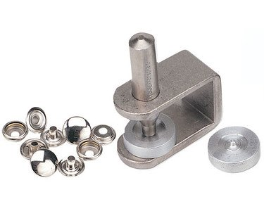 CS Osborne No. K230-20 An easy to use hand snap set. Snaps are nickel plated brass. Set comes with 25 complete standard 1/2'' size 20 snaps, flaring tool and two dies (concave and stud). by Snaps are nickel plated brass