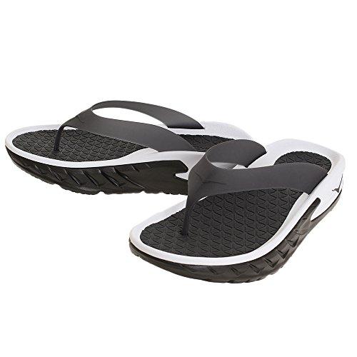 量で泣くラインナップHoka One One(ホカオネオネ) メンズ 男性用 シューズ 靴 サンダル フラット Ora Recovery Flip - Black/White [並行輸入品]