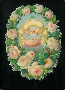 Corona di rose bianche, due mani intrecciate al centro e