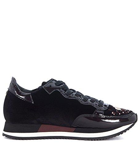 Modello Philippe Donna Etoile Sneaker In Velluto Nero Con Fiori Ricamati Neri