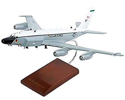 Mastercraft Collection Boeing RC-135V/W Rivet Joint Old Engines Model Scale:1/100