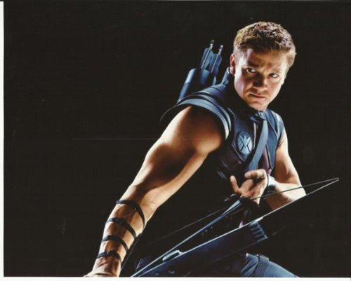 the-avengers-2012-jeremy-renner-hawkeye-close-up-drawing-bow-look-8-x-10-photo