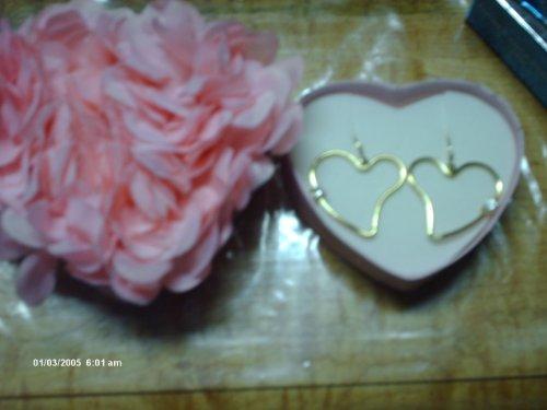- Avon CZ heart cut out hoop earrings in love in bloom box goldtone