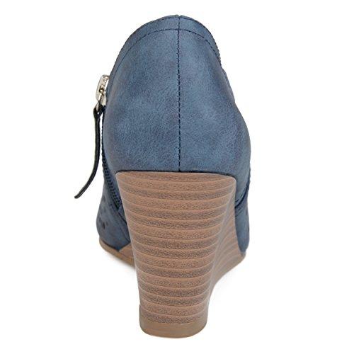 Brinley Co Kvinna Faux Läder Peep-toe Laserskurna Kilar Blå
