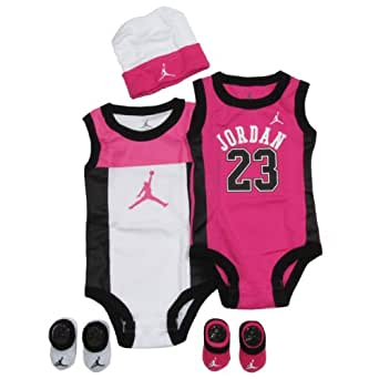 Amazon Com Jordan Baby Set By Nike Perimeter For Boys And