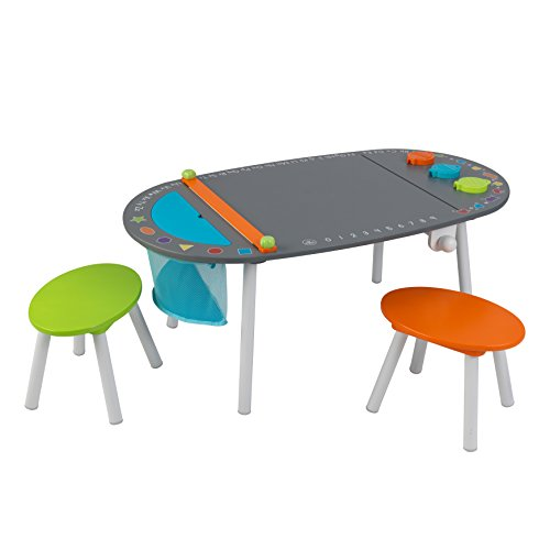 kids art table - 4