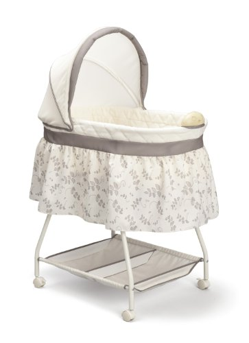 Delta Children Sweet Beginnings Bassinet, Falling Leaves (Baby Bassinet Basket)
