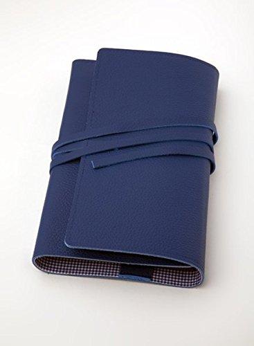 LITERAturtasche L blau | Buchhülle aus Leder: Variable Buchhülle aus genarbtem Leder für Bücher bis 24,5 cm Höhe. Innenfutter blau-vichy