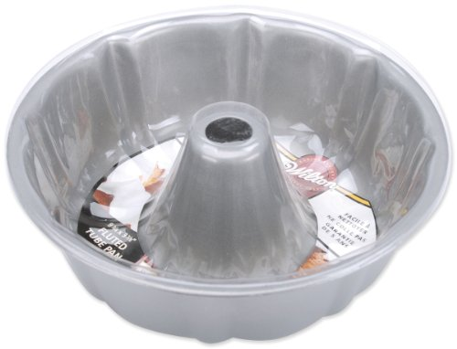 (Wilton Recipe Right Non-Stick Fluted Tube Pan, 9.75-Inch)