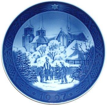 royal copenhagen annual hand decorated christmas plate 1997 - Royal Copenhagen Christmas Plates