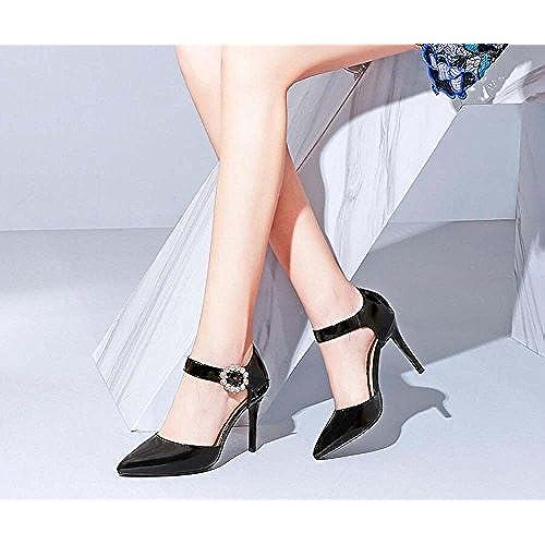ecf7cd9a8e0 Zapatos de Mujer de la Versión Coreana de la Nueva Palabra de Cuero Hueco  de Verano