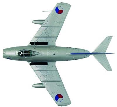 MiG-15 bis diecast 1:72 aircraft model (Amercom SL-37)