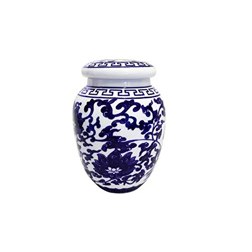 Decorative Blue and White Lotus Pattern Porcelain Storage Container or Display Unit. Small ()